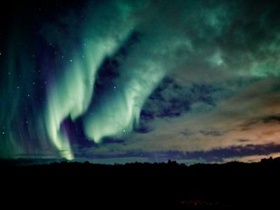 Der er ingen garanti, når det gælder naturen, men der er gode muligheder for at opleve nordlys i oktober måned.